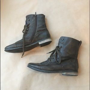 Wanted (9) Short Boot